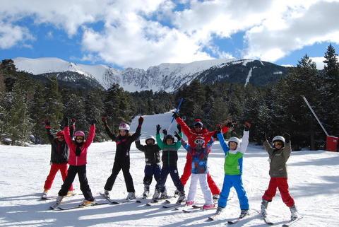 massif cambre d'aze cirque glaciaire eyne saint pierre dels forcats station de ski pyrénées orientales vacances au ski en famille cours de ski groupe particulier esf